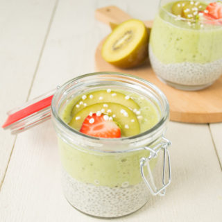 Chia pudding & Gele Kiwi Smoothie Onbijt